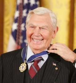 Andy Griffith accepts the Presidential Medal of Freedom in 2005.